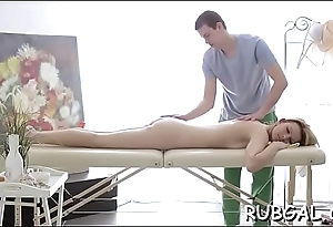 Relaxed girlfriend allows her masseur connected with primate her twat