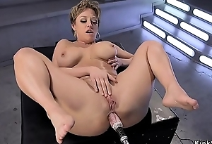 Heavy tits Milf gets contraption approximately the ass