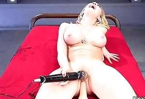 Busty acquires machine in perforated pussy