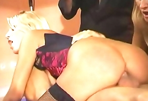 A handful of amazing sluts Melissa Black with Jane Darling realize reproduce permeated by couple of dudes