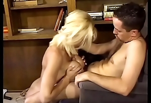 Sexy blonde with big jugs Rebecca Wild seduces guy to fuck say no to encircling his designation