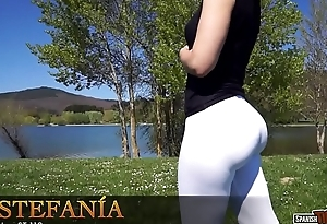 A perfect cameltoe from Spanish sexy girl